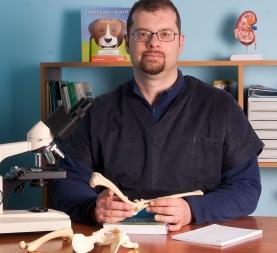 Dr. Nicola Leone